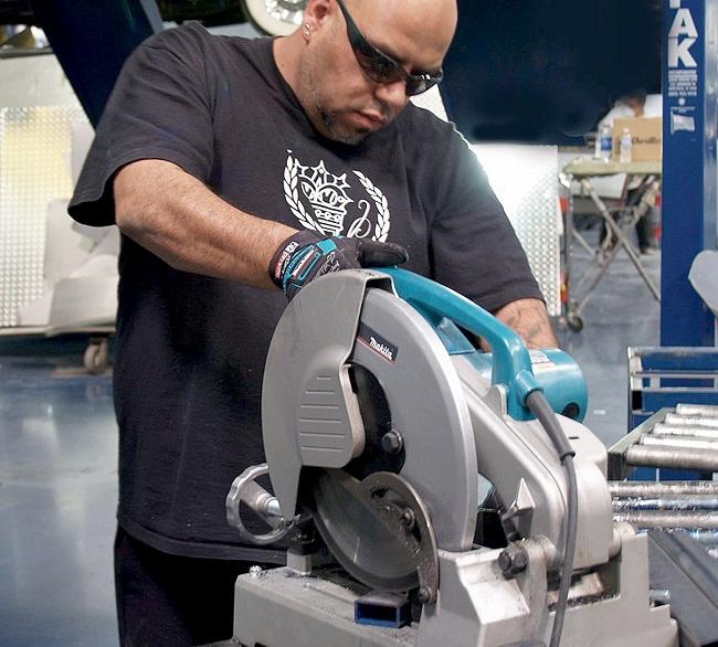 Máy cắt kim loại Makita LC1230